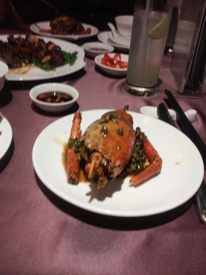 越南名產大頭蝦tom cang每只二十萬,若十美元。頗貴。