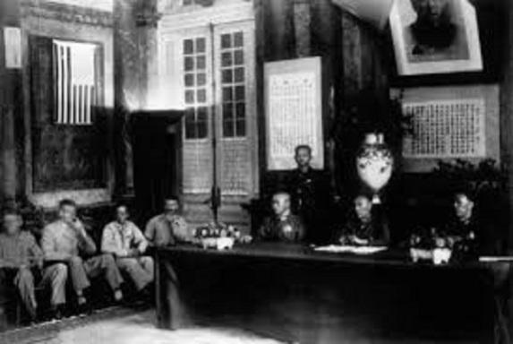 總司令盧漢進入受降大廳