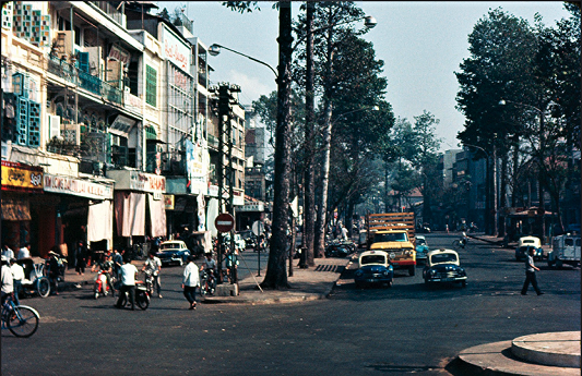 Ngã tư Đồng Khánh-Tổng Đốc Phương