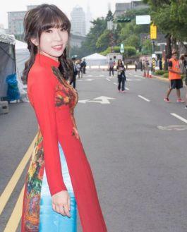 越南籍新住民陳玉水自小愛唱中文歌,獲邀在108