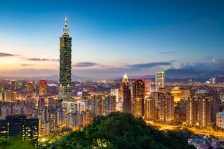 Taiwan_Taipei_Taipei-101_AShutterstock_358284515