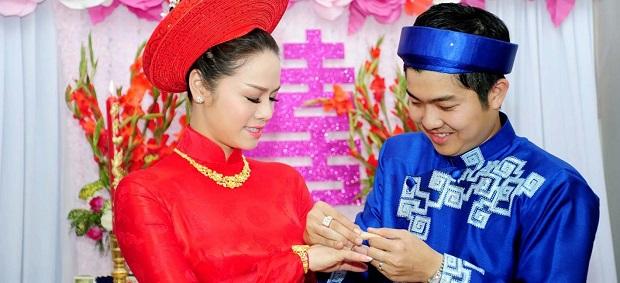 wedding-traditions-in-vietnam-banner.jpg.1758x854_q85_crop